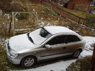 A 1998 Opel Astra