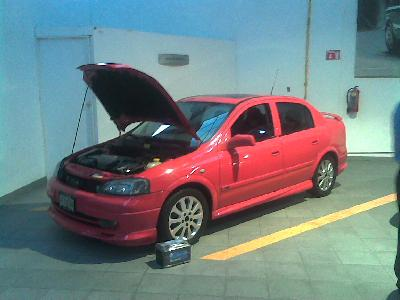 A 2003 Opel Astra