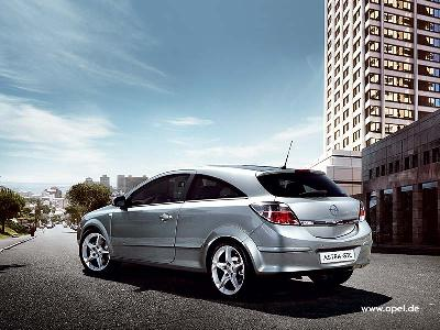 Picture credit: Opel. Send us more 2005 Opel Astra 2.0 DTI pictures.