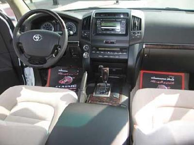 Send us more 2005 Toyota Land Cruiser 100 4.7 V8 Executive pictures.