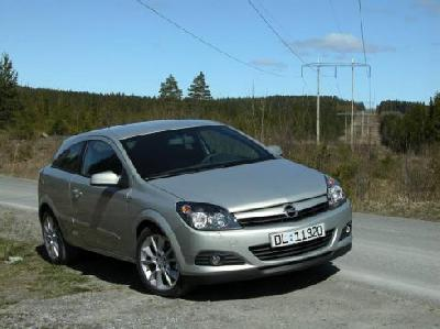 opel astra gtc 1 7 cdti 2005 pictures specs. Black Bedroom Furniture Sets. Home Design Ideas