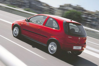 Opel Corsa 1.4 Twinport 2005. Pictures. Specs.
