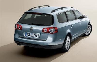 : Volkswagen. Send us more 2007 Volkswagen Passat Variant 2.0 TDi ...