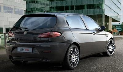2010 Alfa Romeo 147 photo - 2