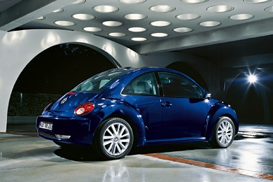 volkswagen beetle 1 8 turbo 2010 pictures specs. Black Bedroom Furniture Sets. Home Design Ideas