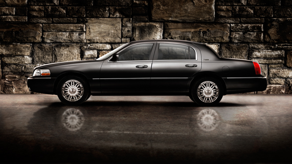 2010 Lincoln Town Car Pictures